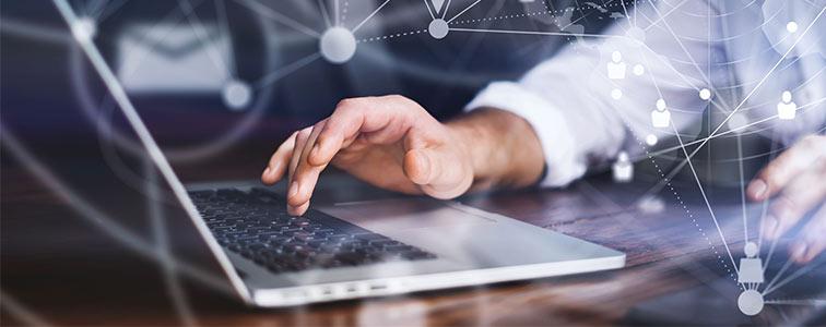 buyer effettua scouting attivo di nuovi potenziali fornitori su online procurement